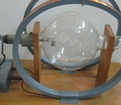 Fine Beam Electron Tube for Weighing the Electron